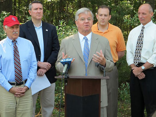 Assemblyman Thiele is joined by Senator Ken LaValle, Brookhaven Town Supervisor Mark Lesko, Senator Lee Zeldin, and Assemblyman Dean Murray in celebrating a 31.5 acre acquisition in the Carmans River Watershed. Assemblyman Thiele co-sponsored legislation, that passed both houses, which would add additional lands in the Carmans River Watershed to the Core Preservation Area of the Central Pine Barrens and further protect the ecological integrity of the sensitive ecosystem.