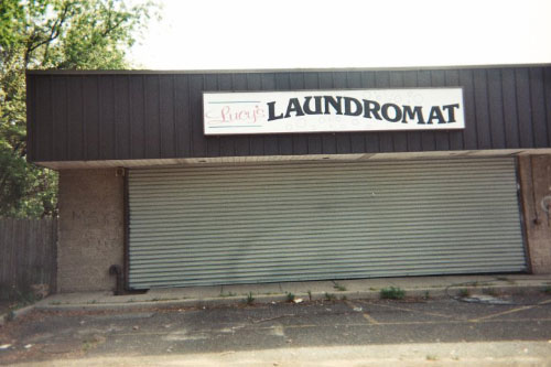 Thanks to the graffiti removal campaign sponsored by Assemblyman Ramos, this laundromat was cleaned of all graffiti