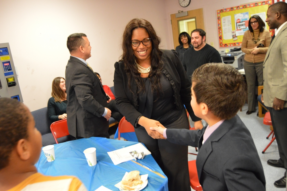 Assemblywoman Kimberly Jean-Pierre meets the La Francis Hardiman student government during a lunch event.