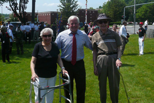 Assemblyman Charles Lavine joined USAT Dorchester survivor Ben Epstein and his wife Miriam at the Glen Cove Memorial Day Parade.