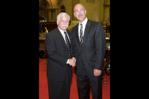 Assemblyman Lavine was pleased to welcome New York Islander icon Bobby Nystrom to the Capitol recently when Nystrom and fellow hockey players visited Albany to lobby state lawmakers for the elimination of the cap on 50/50 raffle prizes from not-for-profit organizations. Currently, such organizations must limit raffle prizes to $100,000; with the cap removed, they could raise larger sums, adding significantly to the coffers of the charities.