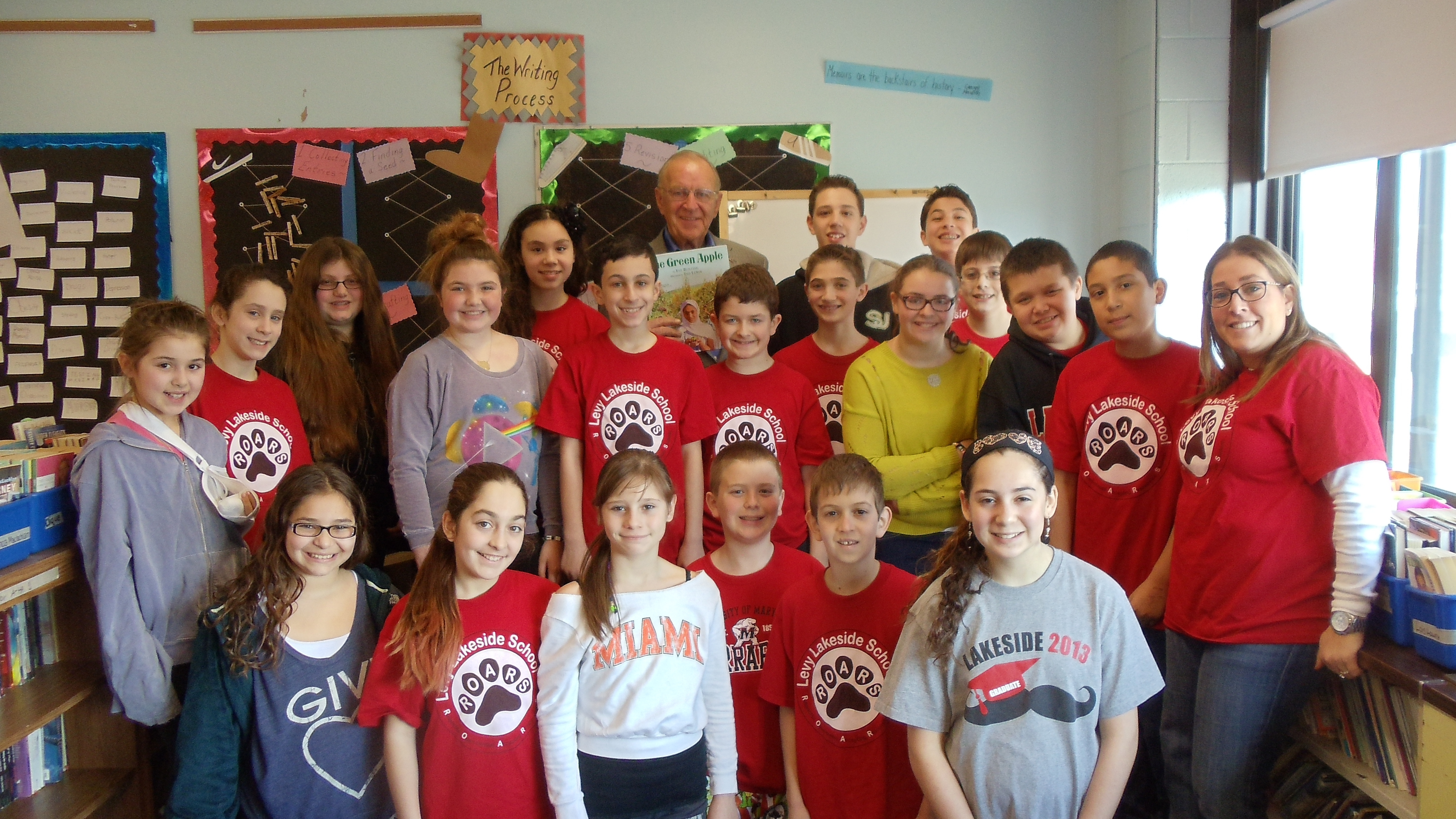 Assemblyman Dave McDonough (R,C,I-Merrick) joined the sixth grade class at Levy-Lakeside School, where he read �One Green Apple� as part of the Community Read Aloud Celebration. The program promotes cultural diversity and understanding in schools.