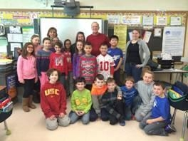 Assemblyman Dave McDonough with Mrs. Walsh�s fourth grade class.