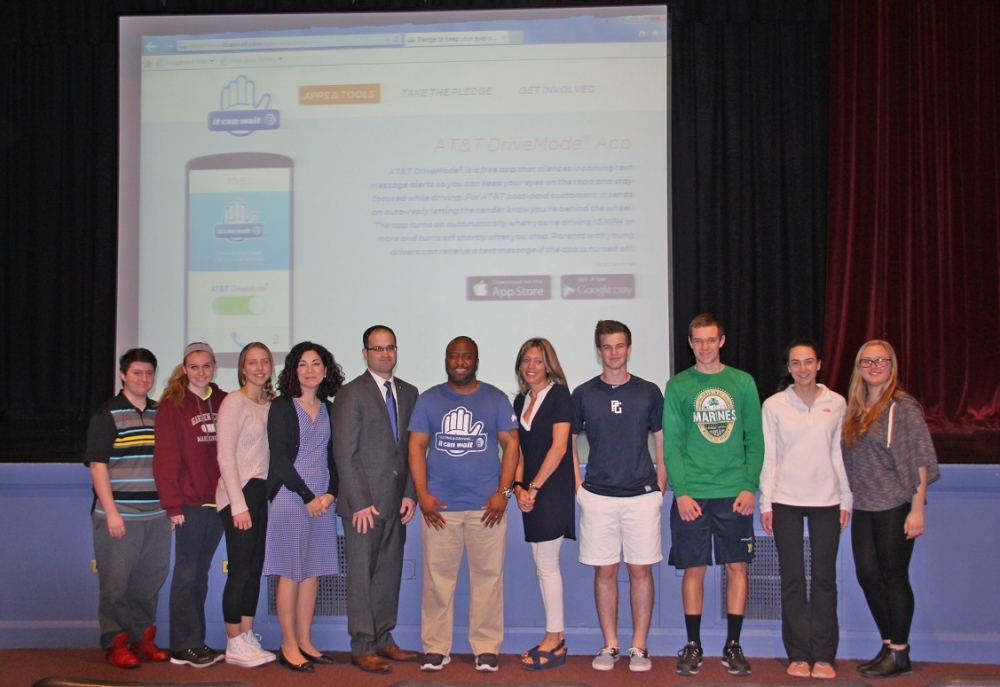 "Garden City High School Principal Mrs. Nanine McLaughlin, Assemblyman Ed Ra, AT&T Regional Director of External Affairs Mr. Brandon Ray, Garden City High School PTA Director Beth Spirakis and members of SADD at the ""It Can Wait"" assembly held on March 18, 2016."
