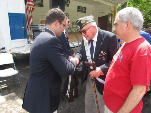 Assemblyman Ra attends the West Hempstead Memorial Day parade and thanks veterans for their service to our country.
