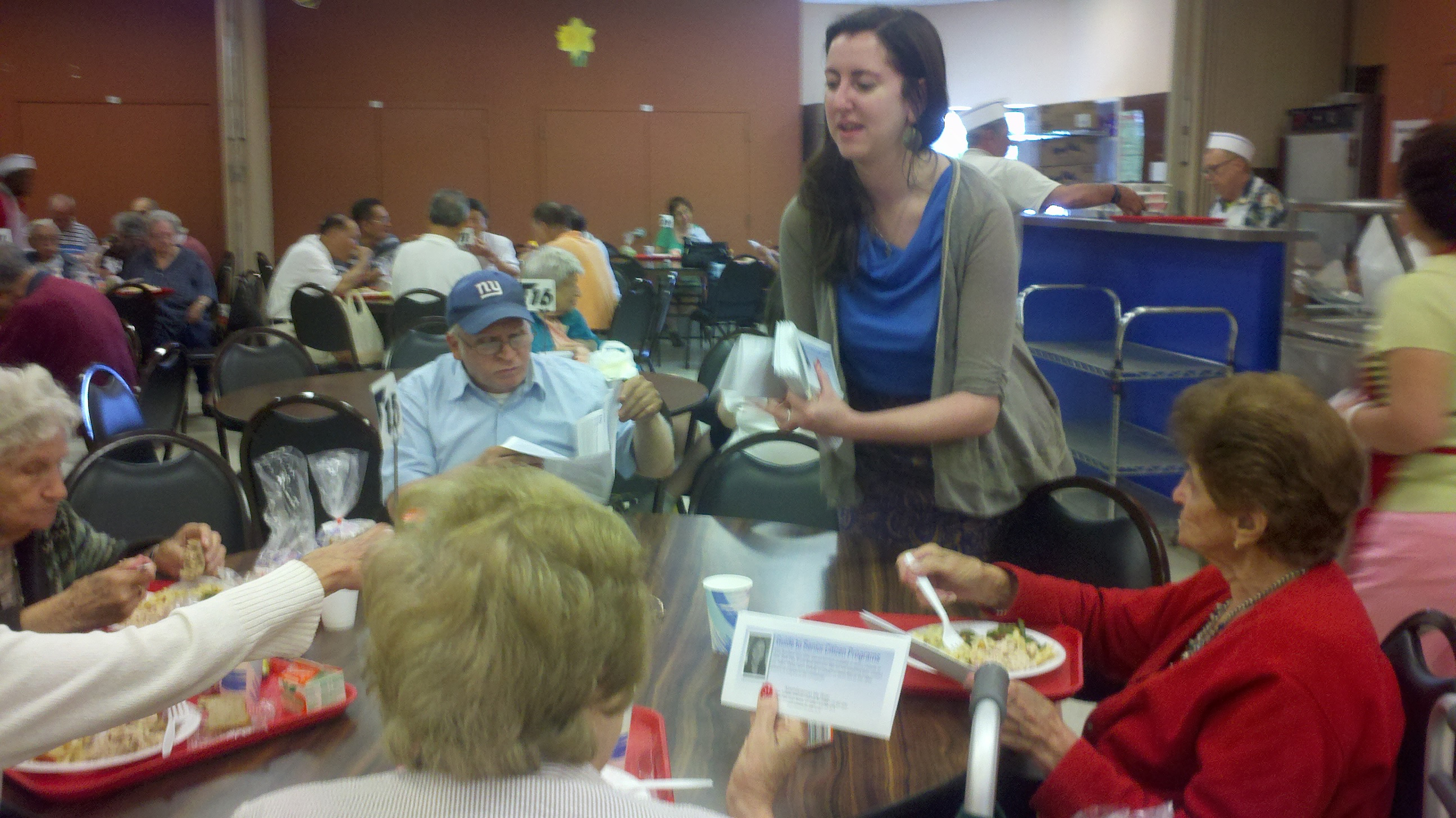 Assemblywoman Nily Rozic visited the Bayside Senior Center to provide seniors with assistance on services such as Medicare, SNAP, and SCRIE.