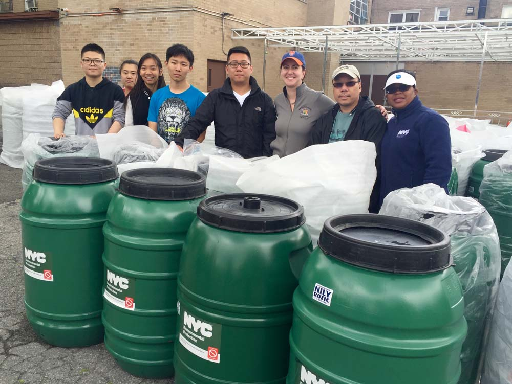 Assemblywoman Nily Rozic hosted her fourth annual Rain Barrel Giveaway at the Israel Center of Conservative Judaism in partnership with the City's Department of Environmental Protection.<br />