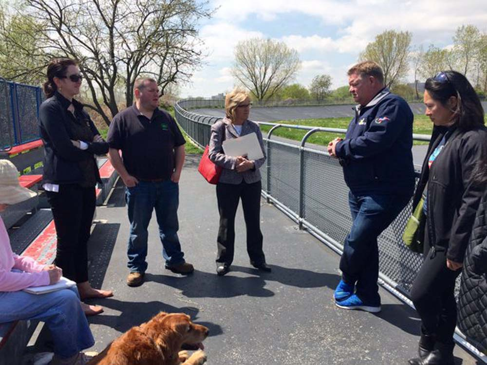 Assemblywoman Nily Rozic and local residents discussed community concerns during a neighborhood walkthrough with City Parks Queens Borough Commissioner Dottie Lewandowski.<br />