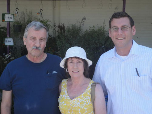 On July 30, 2011, Assemblyman Braunstein met with constituents from Little Neck and Douglaston at his first Mobile District Office at Stop and Shop in Little Neck, including Donald and Judy Oderwald.