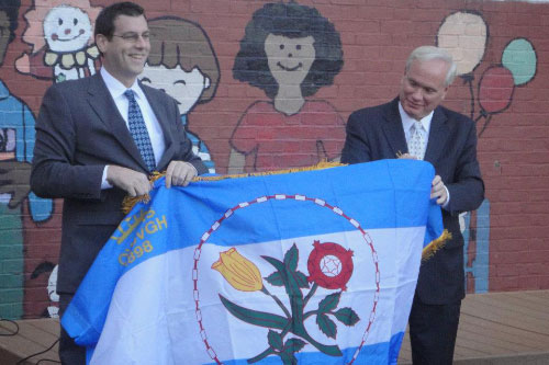 On Friday, October 28, 2011, Assemblyman Braunstein attended a ribbon-cutting for the new playground at P.S. 31 in Bayside with Senator Tony Avella.