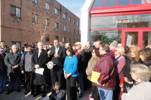On December 15, 2012, Assemblyman Braunstein hosted a rally with Senator Tony Avella in opposition to the newly approved flight pattern which has created a constant barrage of plane noise and damaged the quality of life of the residents of Northeast Queens, pictured here with Senator Avella and Assemblywoman Grace Meng.