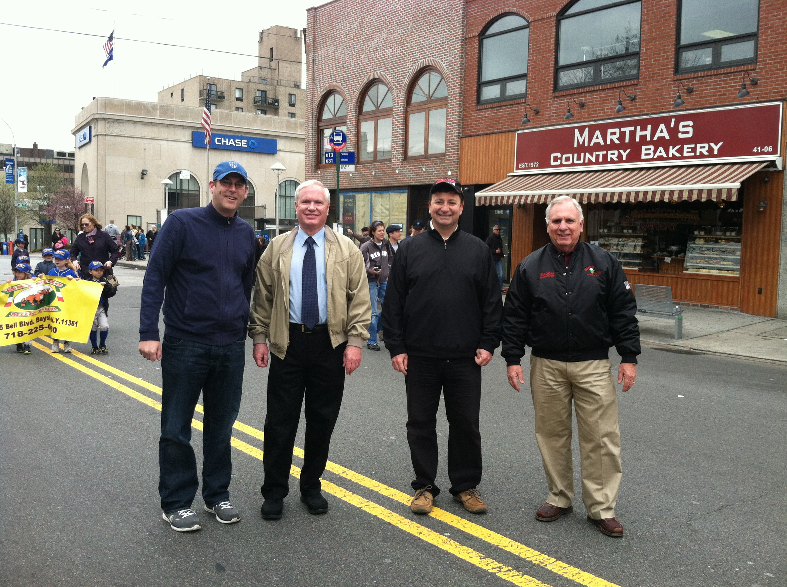 On Saturday, April 13, 2013, Assemblyman Braunstein threw out the first pitch at Bayside Little League's Opening Day Ceremonies. 