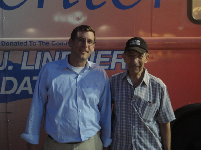 On Thursday, August 15, 2013, Assemblyman Braunstein hosted a Bayside Community Summer Blood Drive, sponsored in conjunction with the New York Blood Center. Assemblyman Braunstein is pictured here with President of the Bay Terrace Community Alliance, Warren Schreiber.