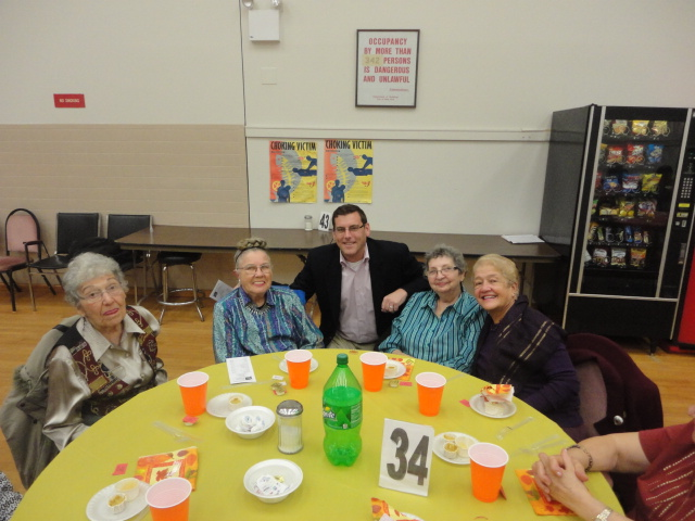 On Friday, November 22, 2013, Assemblyman Braunstein joined the members of the Selfhelp Clearview Senior Center for their Thanksgiving Party and wished them a happy holiday season.