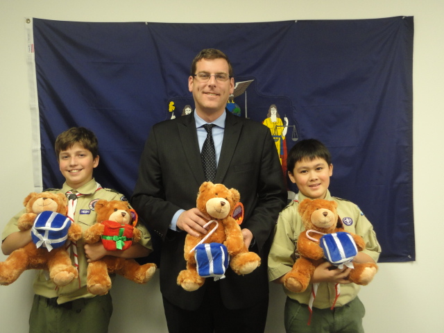 On November 26, 2013, Assemblyman Braunstein received donations for his Holiday Toy Drive from 7th grade members of Sacred Heart Troop 49.