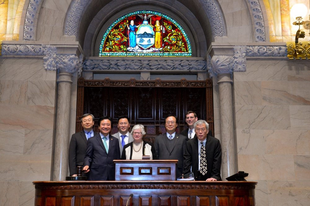 On Monday, February 10, 2014, Assemblyman Braunstein and Senator Toby Ann Stavisky welcomed Korean leaders from Queens to Albany as a demonstration of support for A8742. Assemblyman Braunstein is pictured with Assemblyman Ron Kim, Senator Toby Ann Stavisky, Dongchan Kim, Executive Director of the Korean American Civic Empowerment (KACE); John Park, President of the Korean American Community Empowerment Council (KACEC); Sung Ki Min, President of the Korean American Association of Greater New York (KAAGNY); and Keechul Kim, Vice Chairman of America Assembly of the National Unification Advisory Council of the Republic of Korea.