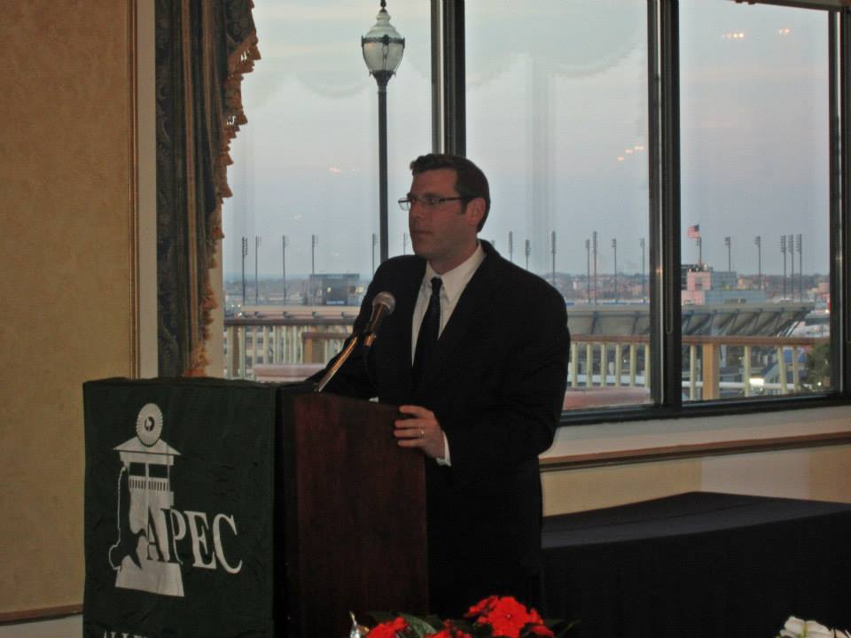On April 10, 2014, Assemblyman Braunstein attended the Alley Pond Environmental Center's Green Gala 2014.