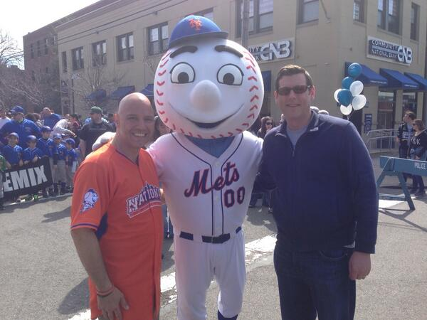 On April 12, 2014 Assemblyman Braunstein threw out the first pitch at the Bayside Little League's Opening Day Ceremonies. Assemblyman Braunstein is pictured with Councilman Paul Vallone and Mr. Met.