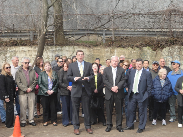 On April 22, 2014, Assemblyman Braunstein, Council Member Mark Weprin, and Senator Tony Avella joined over 100 Little Neck Residents to protest the construction of a new 35-foot high building by E. Gluck Corporation and Steel Tribune.