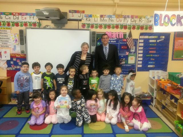 On May 15, 2014, Assemblyman Braunstein participated in PS 169 Poetry Read Aloud Day. Assemblyman Braunstein is pictured with Lindsay Anastasi and her class, Pre-K 133.