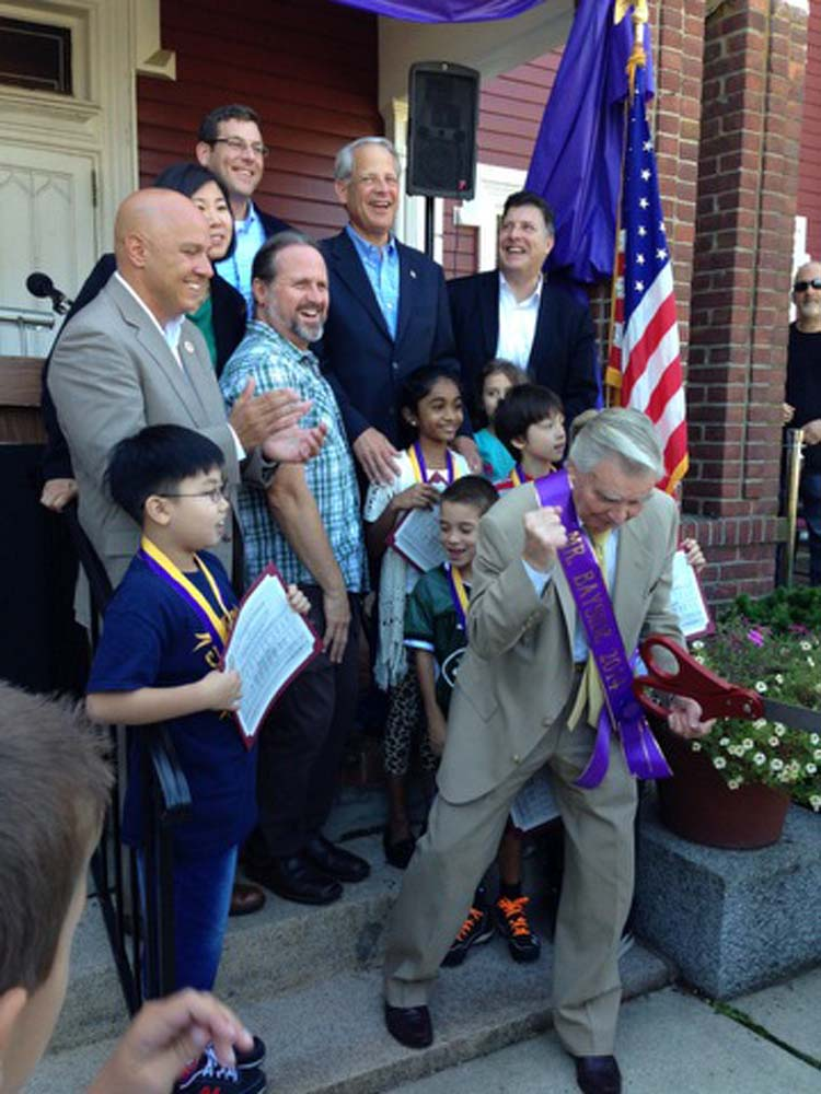 Assemblyman Braunstein attended the 100th Anniversary of Bayside Day Celebration, where he presented a New York State Assembly Proclamation to the Bayside Historical Society (BHS) declaring Bayside Day in New York State. Assemblyman Braunstein is pictured with Congresswoman Grace Meng, Congressman Steve Israel, Council Member Paul Vallone, Council Member Mark Weprin, and BHS President Paul DiBenedetto.