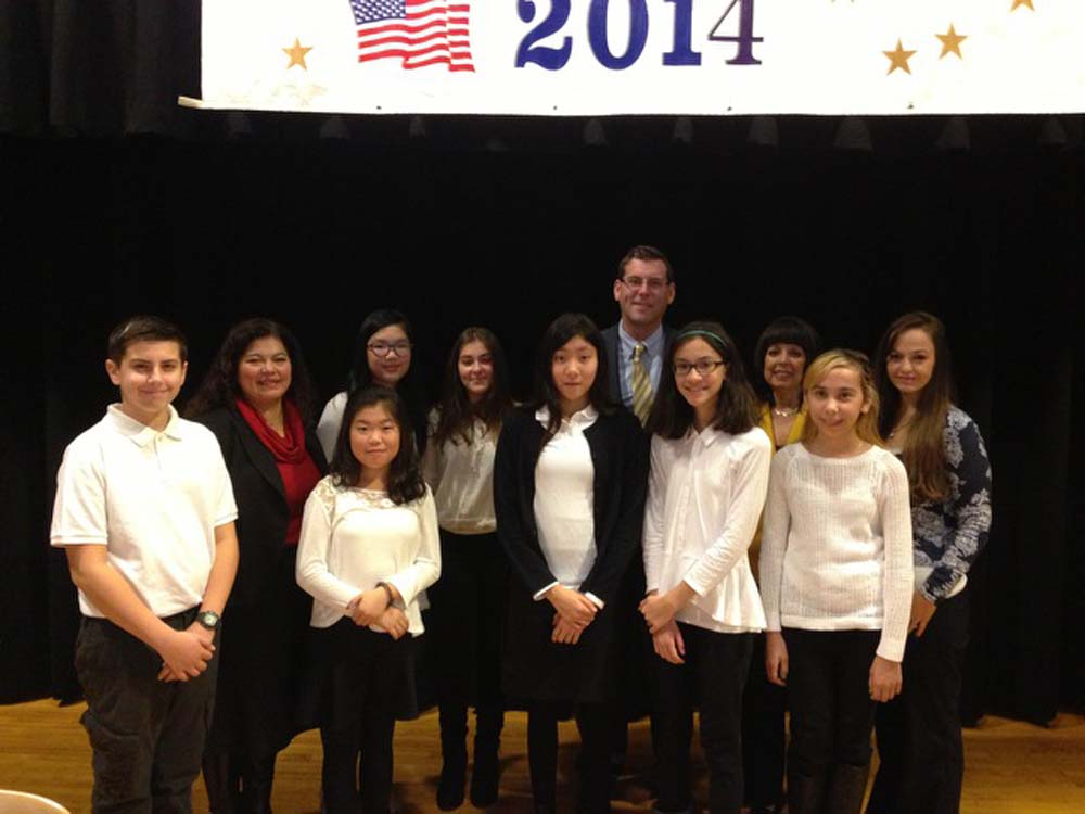 On November 13, 2014, Assemblyman Braunstein installed the 2014-2015 Student Organization of Louis Pasteur Middle School 67. Assemblyman Braunstein is pictured with Student Organization Advisor Sabrina Budny, PTA President Jeannette Segal, and the Student Organization Officers.