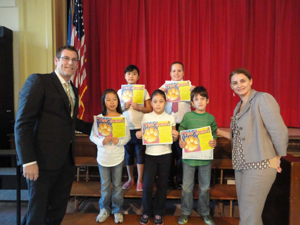 Assemblyman Braunstein presented New York State Assembly Student of the Month Certificates of Merit to the students of PS 94: David D. Porter School in Little Neck. Assemblyman Braunstein is pictured with the students of the month and Principal Laura Avakians.