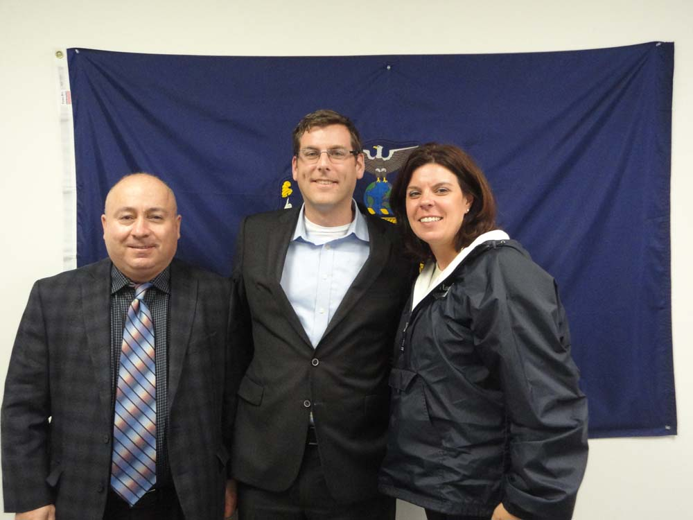 On December 3, 2014, Assemblyman Braunstein met with UFT teachers and parents from schools throughout the 26th Assembly District. Assemblyman Braunstein is pictured with UFT School District 25 Representative Joe Kessler and UFT School District 26 Representative Mary Vaccaro.