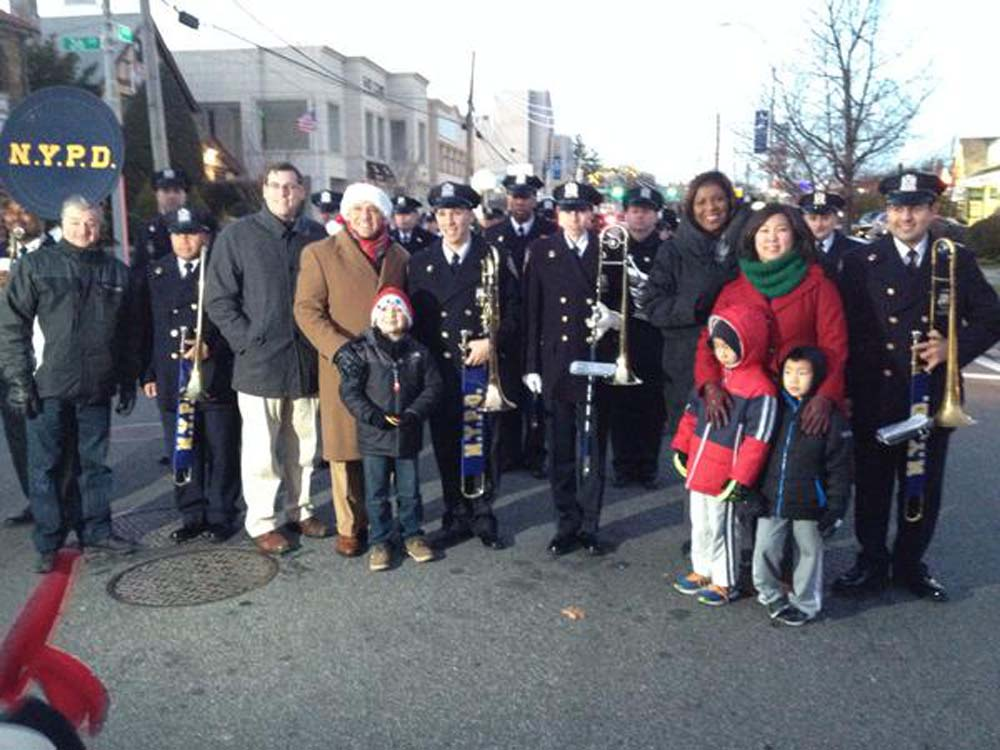 On December 7, 2014, Assemblyman Braunstein marched in the Bayside Children's Holiday Parade, hosted by Council Member Paul Vallone and the Bayside Village Business Improvement District (BID). Assemblyman Braunstein is pictured with Congresswoman Grace Meng, Public Advocate Letitia James, Council Member Vallone, and Dominick Bruccoleri, Chairman of the Bayside Village BID.