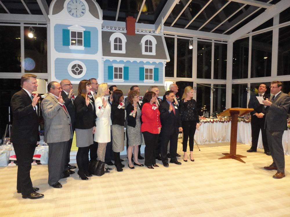 On December 11, 2014 Assemblyman Braunstein inducted the 2015 Board of Directors of The Ronald McDonald House of Long Island in New Hyde Park, Queens.
