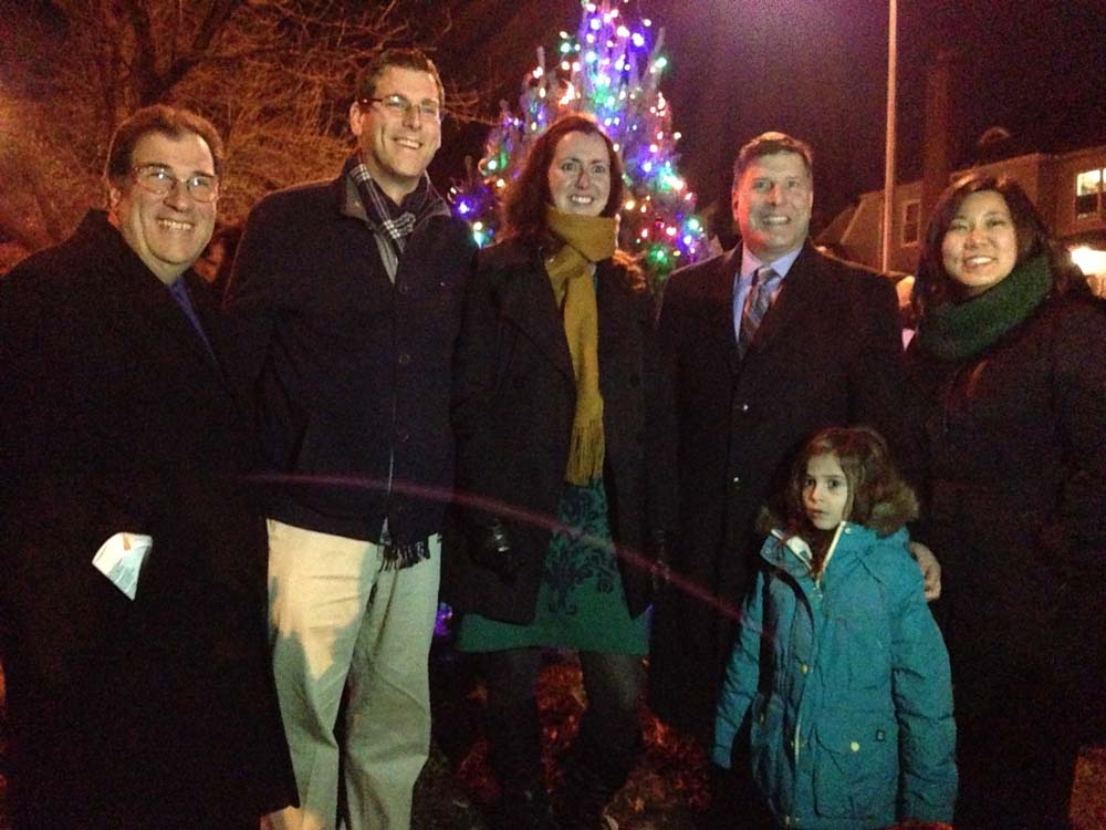 On December 15, 2014, Assemblyman Braunstein attended the Bayside Hills Civic Association Holiday Lighting with Congresswoman Grace Meng, Assemblywoman Nily Rozic, Council Member Mark S. Weprin, and Anthony Lemma from Assemblyman David Weprin's office.