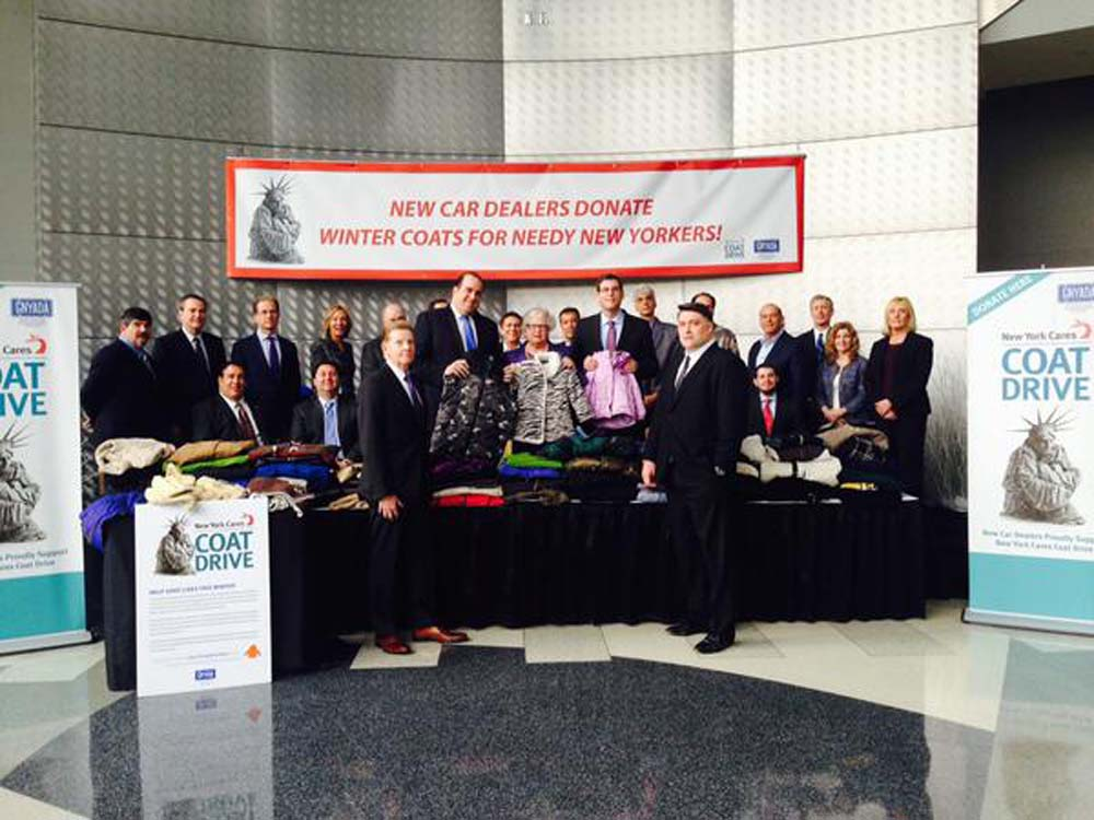 On December 17, 2014, Assemblyman Braunstein joined the Greater New York Automobile Dealers Association (GNYADA) for their New York Cares Coat Drive event with Senator Toby Ann Stavisky, and Assemblyman Michael Simanowitz.