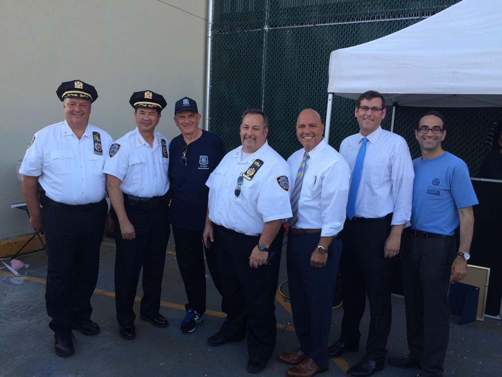 On August 4, 2015, Assemblyman Braunstein attended the 111th Precinct's National Night Out Against Crime. Assemblyman Braunstein is pictured with NYPD Chief of Transportation Thomas Chan, 111th Precinct Community Council President Jack Fried, Captain McBride, and Council Member Paul Vallone.