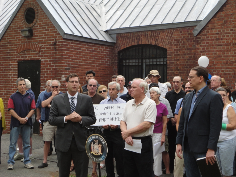 On September 12, 2015, Assemblyman Braunstein supported the Broadway-Flushing Homeowners Association at a rally calling for landmark designation for the community, along with Senator Tony Avella.
