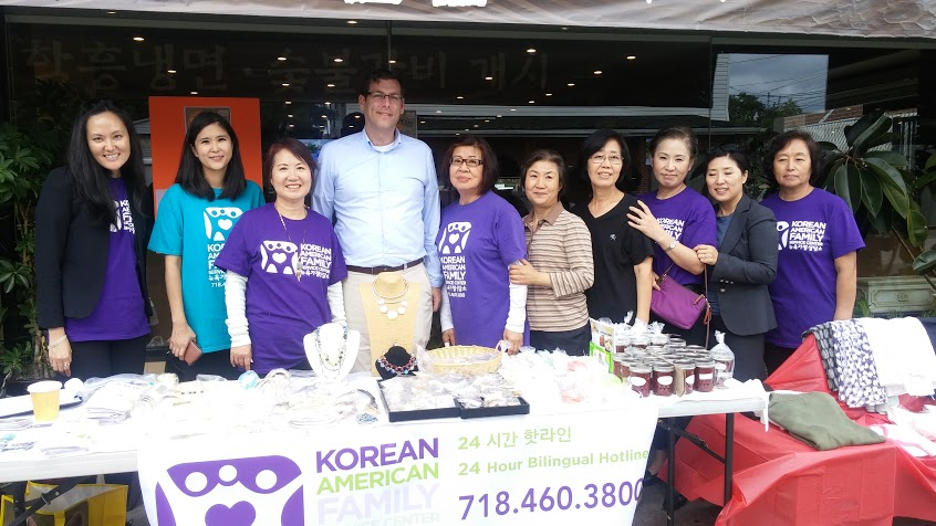 On September 22, 2015, Assemblyman Braunstein visited the Korean American Family Service Center's One Day Restaurant fundraiser to support the Rainbow House Shelter. Assemblyman Braunstein is pictured with KAFSC Development Coordinator Helen Kim, and KAFSC staff and volunteers.