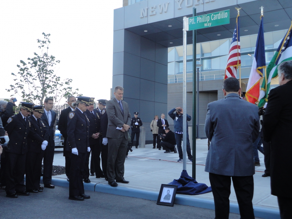 On October 19, 2015, Assemblyman Braunstein participated in the street co-naming of Patrolman Phillip Cardillo Way, sponsored by Council Member Paul Vallone.