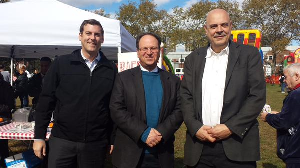 Assemblyman Braunstein attended the Glen Oaks Village Fall Festival with former Deputy Borough President Barry Grodenchik and Glen Oaks Village President Bob Friedrich.
