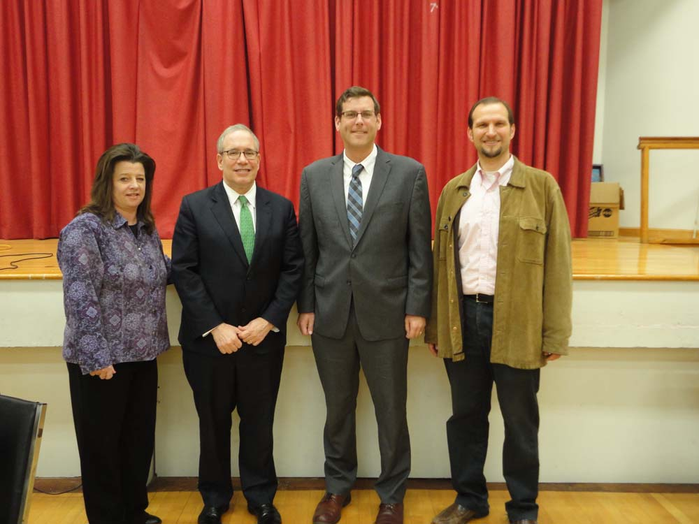 On November 12, 2015, Assemblyman Braunstein visited Selfhelp Clearview Senior Center with NYC Comptroller Scott M. Stringer. Assemblyman Braunstein and Comptroller Stringer are pictured with Erin Brennan, Director of SelfHelp Clearview, and Mayer Waxman, Managing Director of Senior Centers.