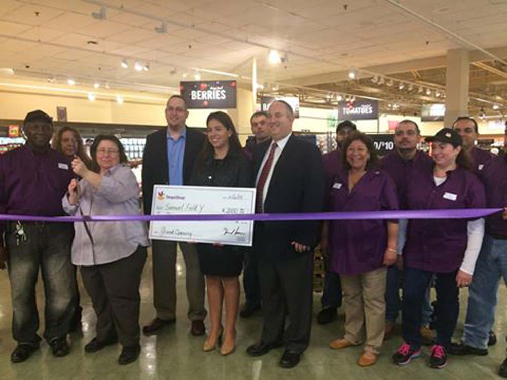 On November 6, 2015, Chief of Staff David Fischer attended the ribbon cutting of the new Stop & Shop in the Bay Terrace Shopping Center, with Stop & Shop Public and Community Relations Manager Arlene Putterman and Store Manager Michelle Witcher, as well as Samuel Field Y Executive Director Aaron Rosenfeld and Valentina Ovalle, Bay Terrace Pool and Tennis Center Site Director.