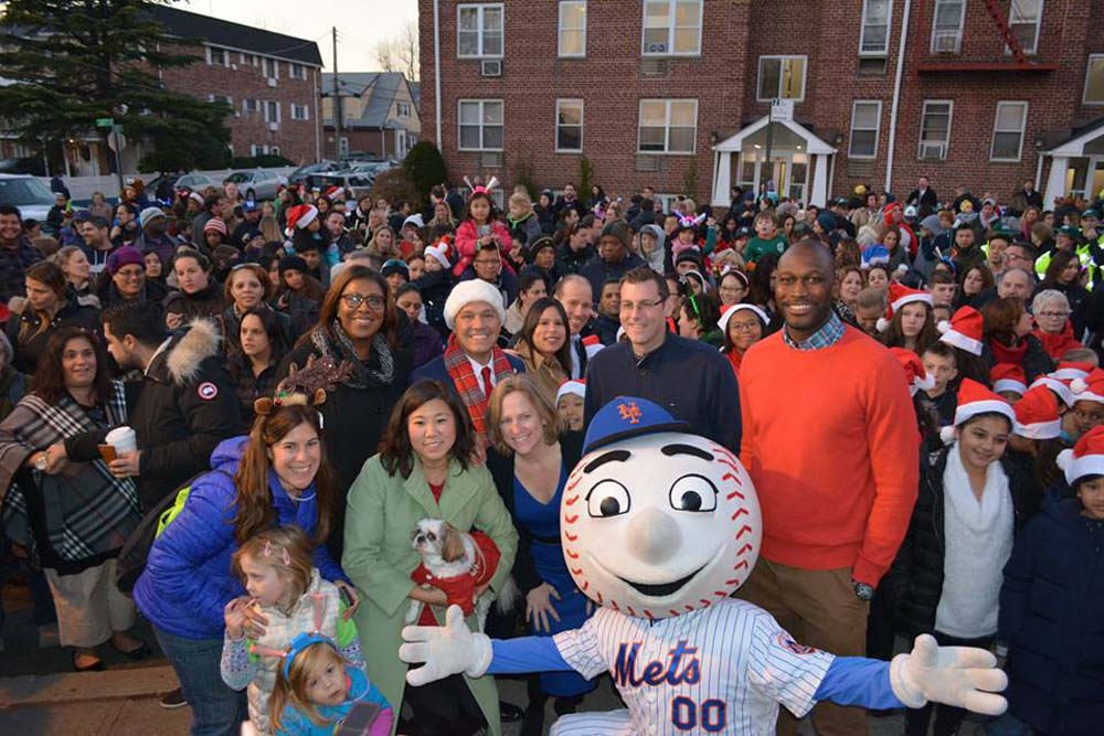 On December 5, 2015, Assemblyman Braunstein participated in the 2nd Annual Children's Holiday Parade and Lighting Ceremony. Assemblyman Braunstein is pictured with Congresswoman Grace Meng, Public Advocate Letitia James, Queens Borough President Melinda Katz, Council Member Paul A. Vallone, NYC Department of Small Business Services Commissioner Gregg Bishop, and Mr. Met.