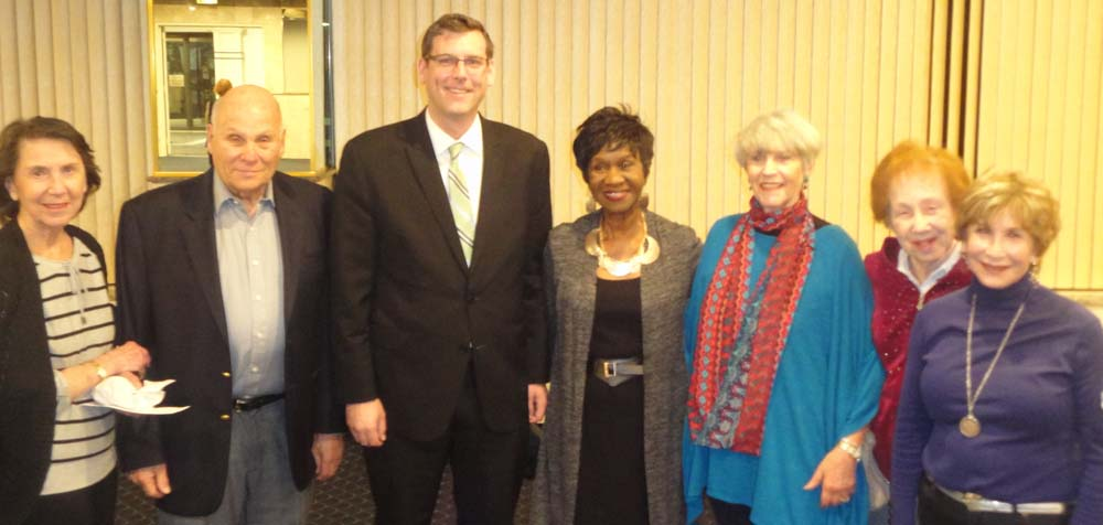 On March 24, 2016, Assemblyman Braunstein provided a legislative update at North Shore Towers & Country Club. Assemblyman Braunstein is pictured with Mort Gitter, President of the North Shore Towers Board of Directors, Felice Hannah, Political Action Coordinator, as well as residents of North Shore Towers.