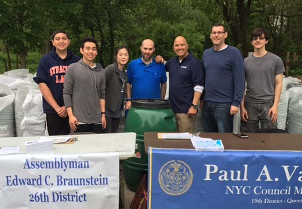 On May 21, 2016, Assemblyman Braunstein partnered with Council Member Paul Vallone and the NYC Department of Environmental Protection to provide free rain barrels at the Alley Pond Environmental Center.