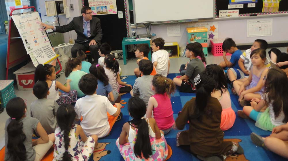 On May 26, 2016, Assemblyman Braunstein spoke with PS 169's 1st Grade students about government.