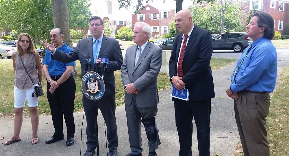 On June 27, 2016, Assemblyman Braunstein and Senator Tony Avella held a press conference announcing the passage of a J-51 tax abatement expansion for middle-class co-op and condo owners.<br />