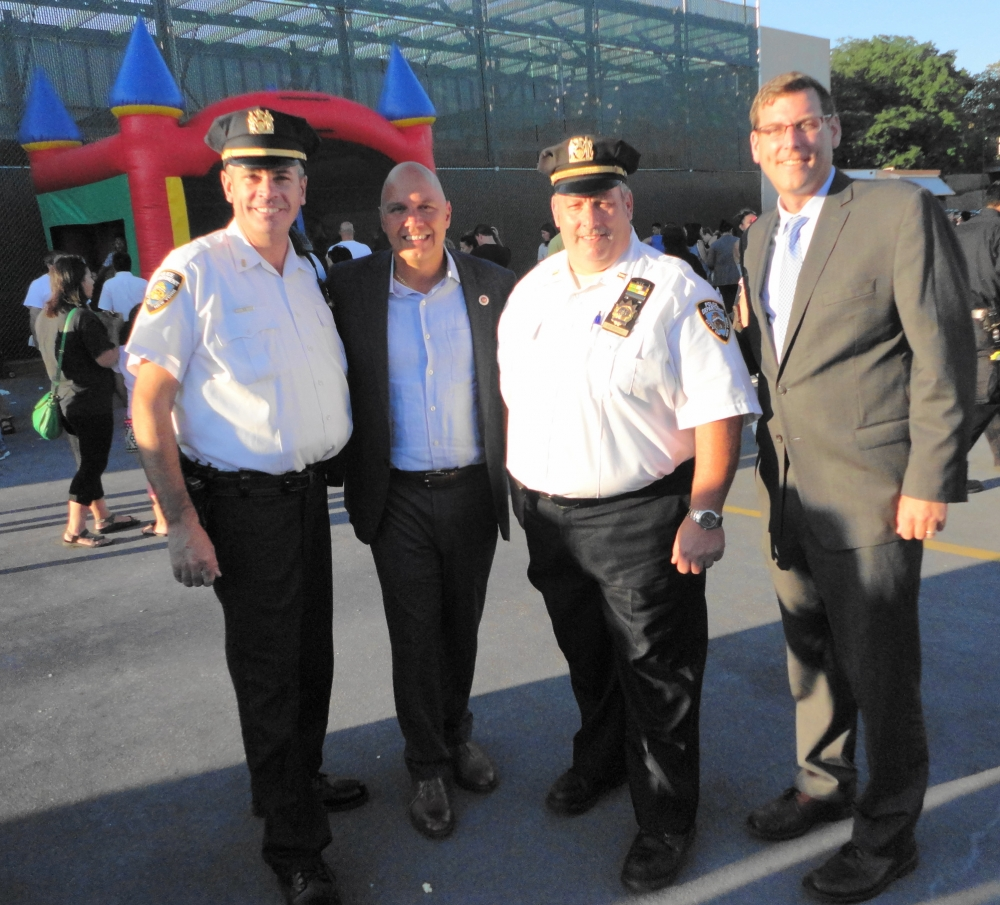 On August 2, 2016, Assemblyman Braunstein attended the 111th Precinct's National Night Out in Douglaston.<br />