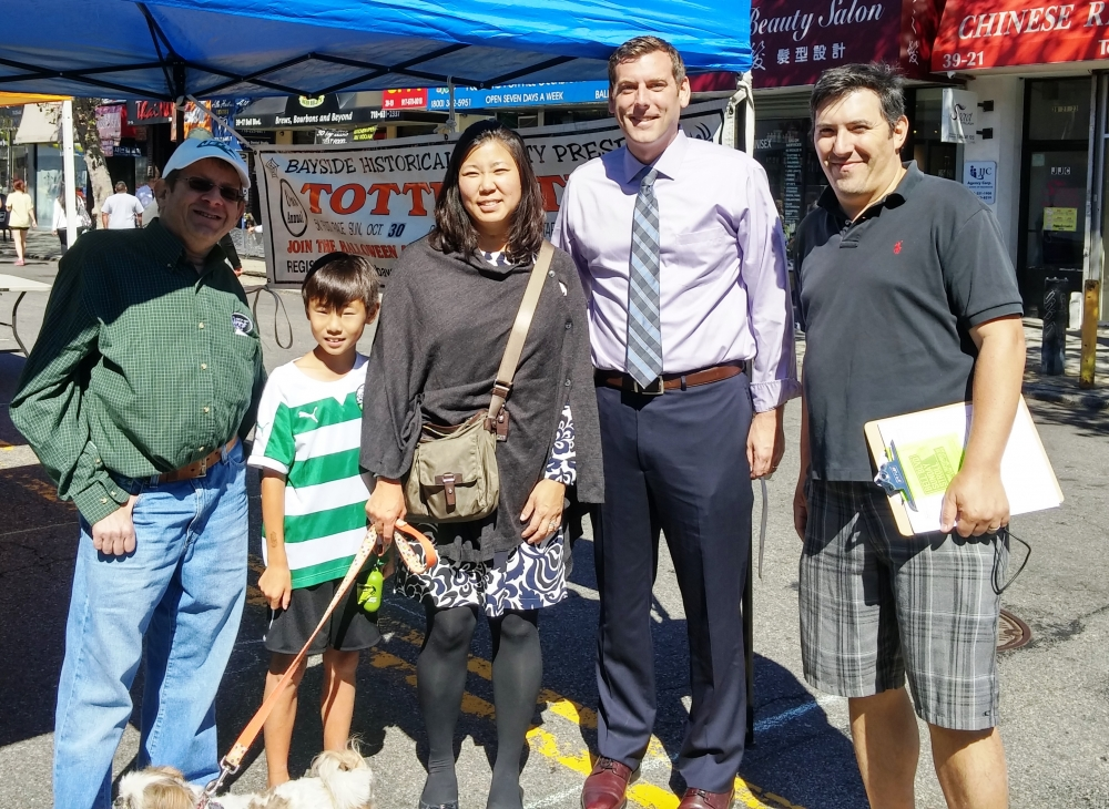 On September 25, 2016, Assemblyman Braunstein joined Congresswoman Grace Meng at this year's Bayside Village Business Improvement District Sunday Stroll.<br />