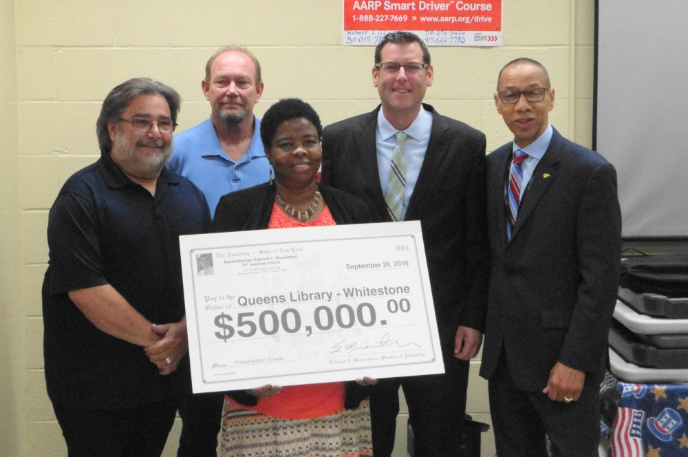On September 26, 2016, Assemblyman Braunstein was joined by Dennis Walcott, President and CEO of Queens Library, and local civic leaders, as he announced a $500,000 grant to replace the roof of the Whitestone Community Library.<br />