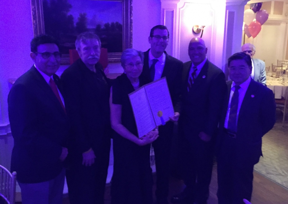 On September 30, 2016, Assemblyman Braunstein presented a New York State Legislative Resolution to Marilyn Bitterman at her Retirement Dinner, in recognition of her 40 years of service at Community Board 7, including 28 years as District Manager.<br />