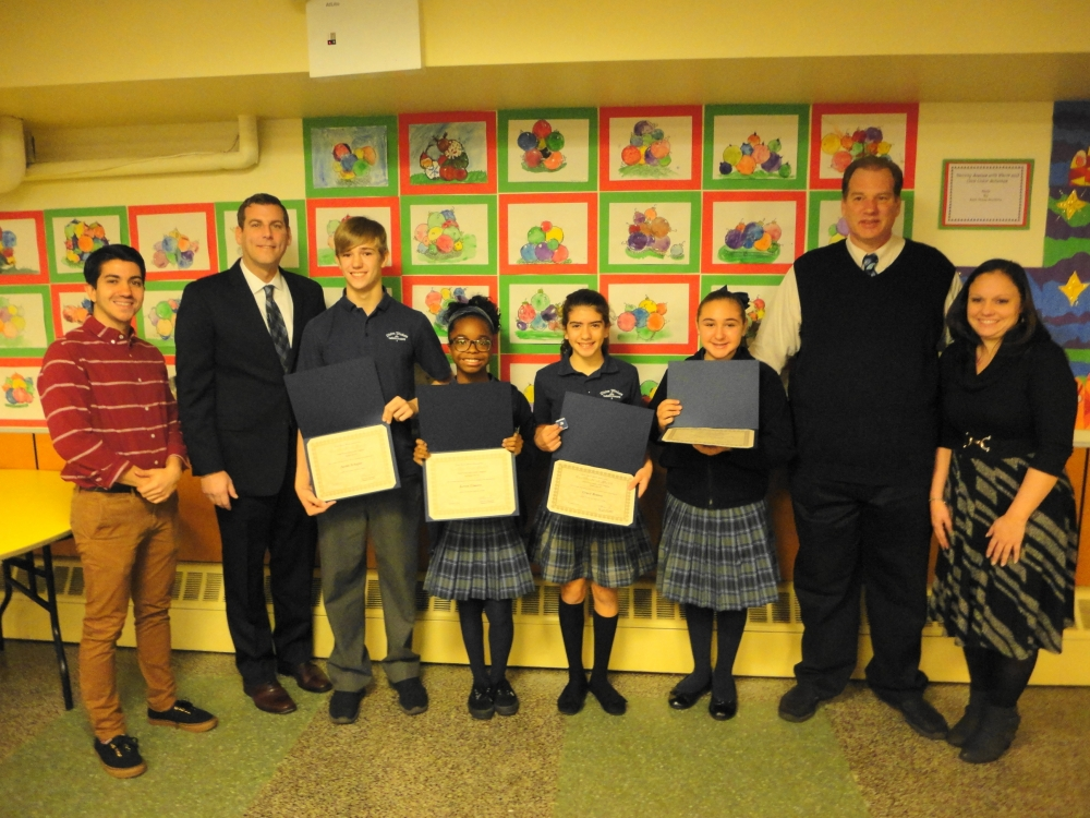 On December 5, 2016, Assemblyman Braunstein installed the Divine Wisdom Catholic Academy of Douglaston 2016-2017 Student Council Officers and Representatives.<br />