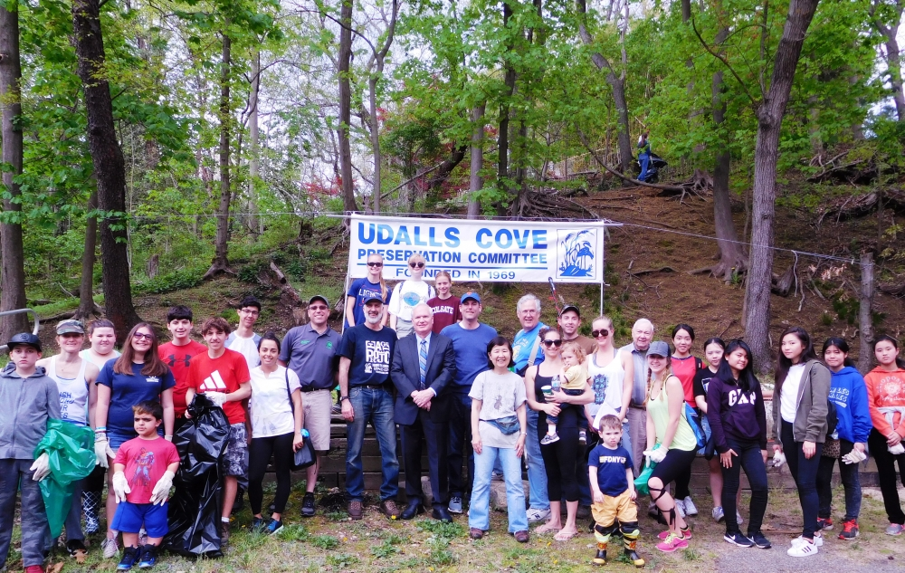 On April 29, 2017, Assemblyman Braunstein participated in the 48th Annual Udalls Cove Preservation Committee Meeting & Wetlands Cleanup.